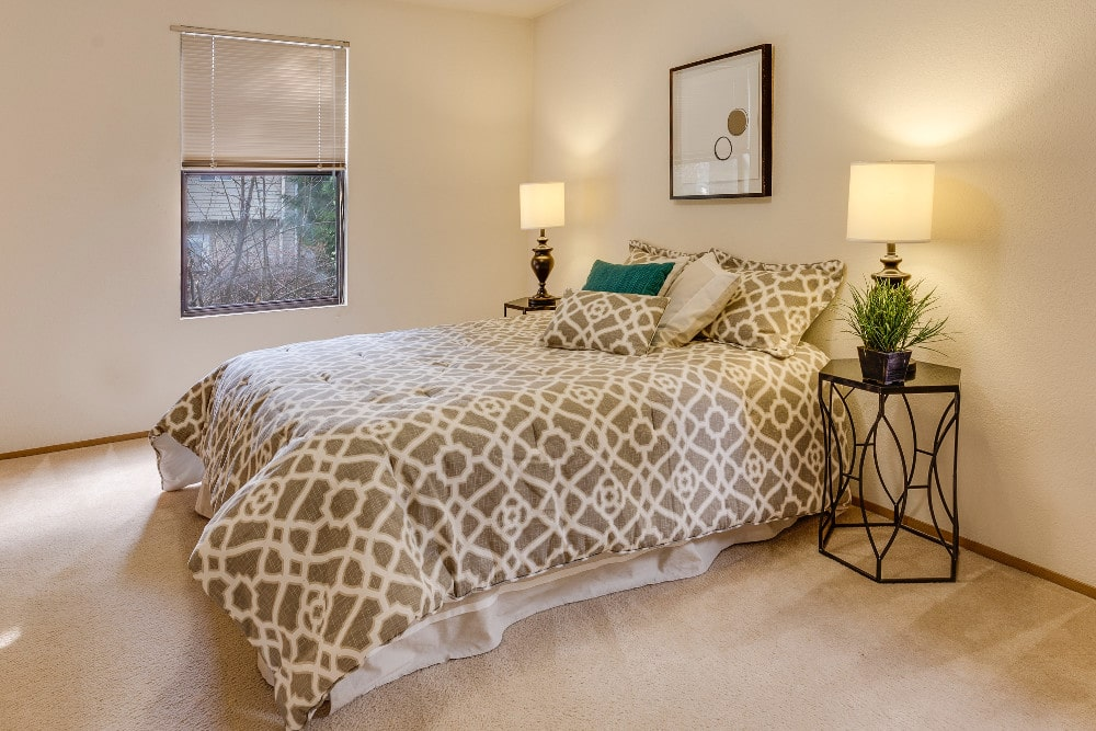 Bed linens cleaning in Toronto Ontario