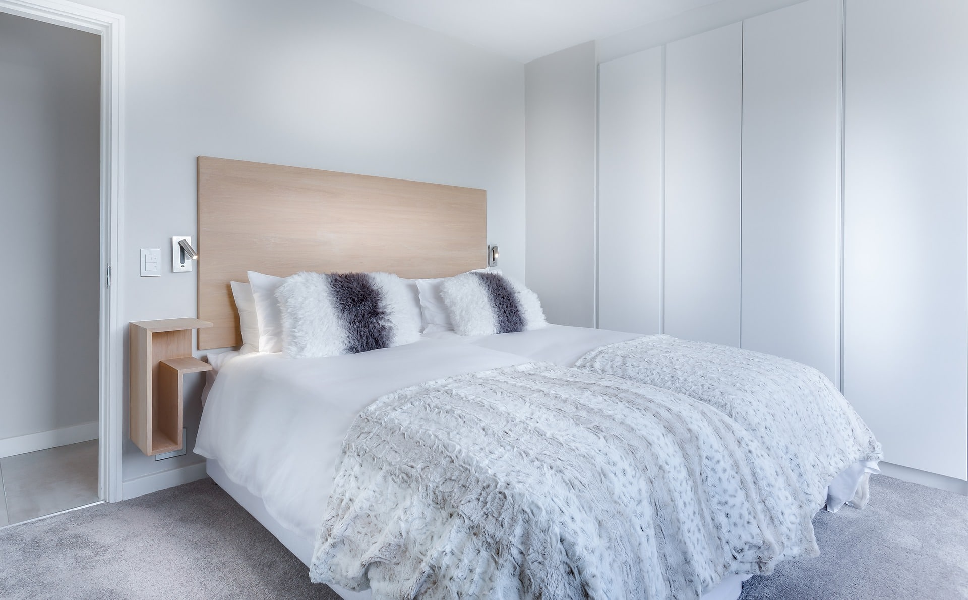 Bed linen cleaning in Toronto
