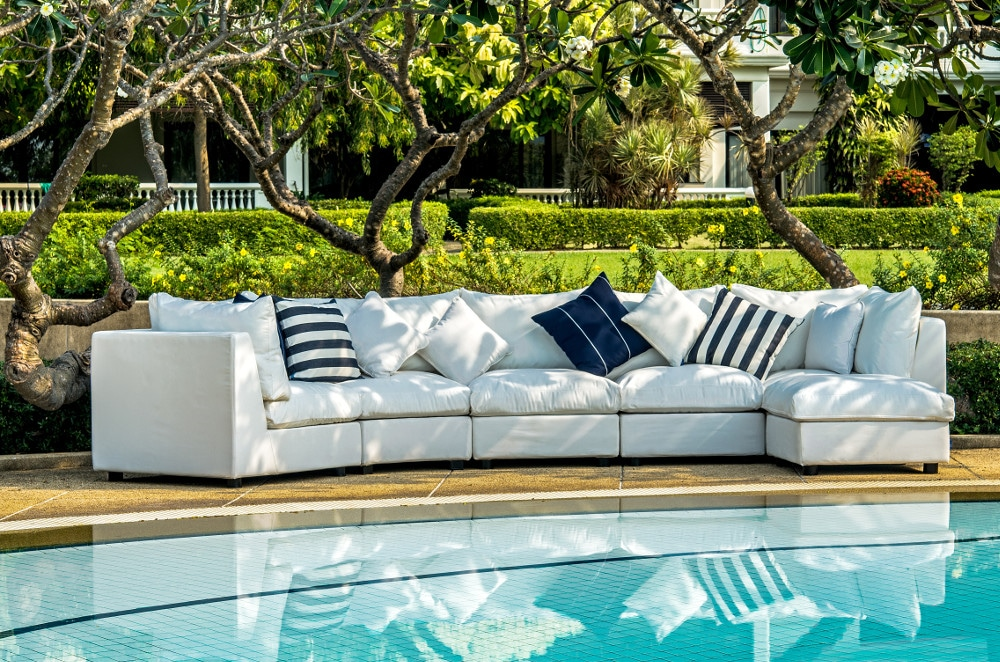Covers and patio furniture in Toronto