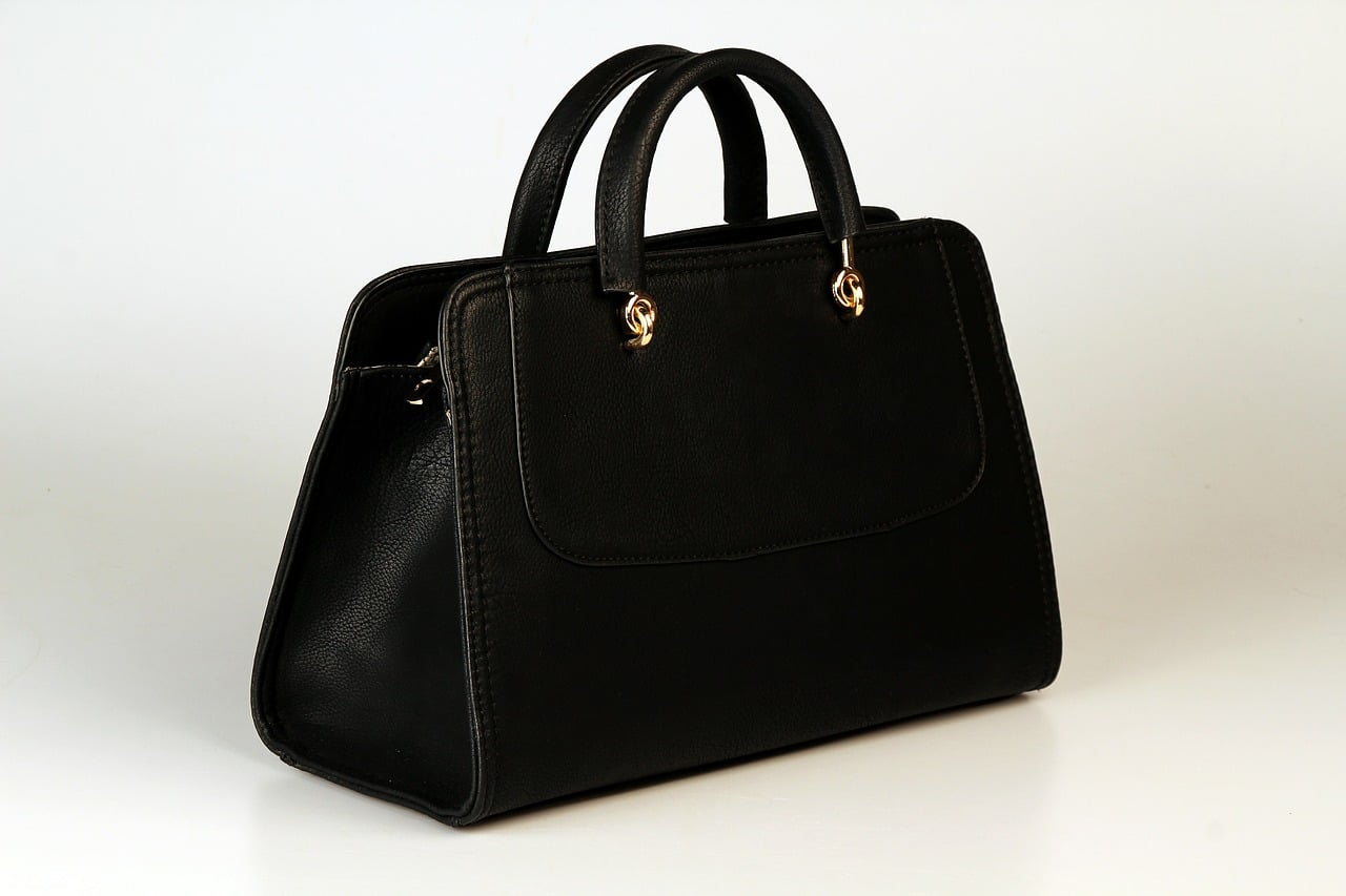 Purse and handbag cleaning in Toronto ON